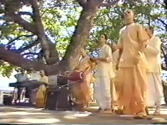 Traveling Temple in Darwin News Coverage