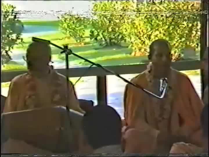 Guru Istaghosti after Bhavananda Falldown New Govardhan - TKG and Bhagavan