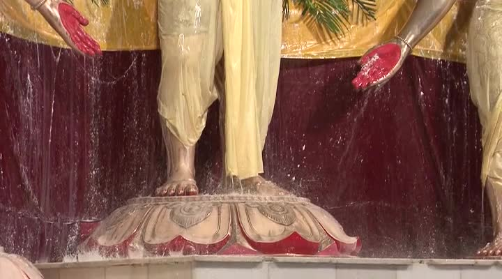 Sri Sri Panca Tattva Maha Abhishek -- ISKCON Mayapur-- KrishnaTube com