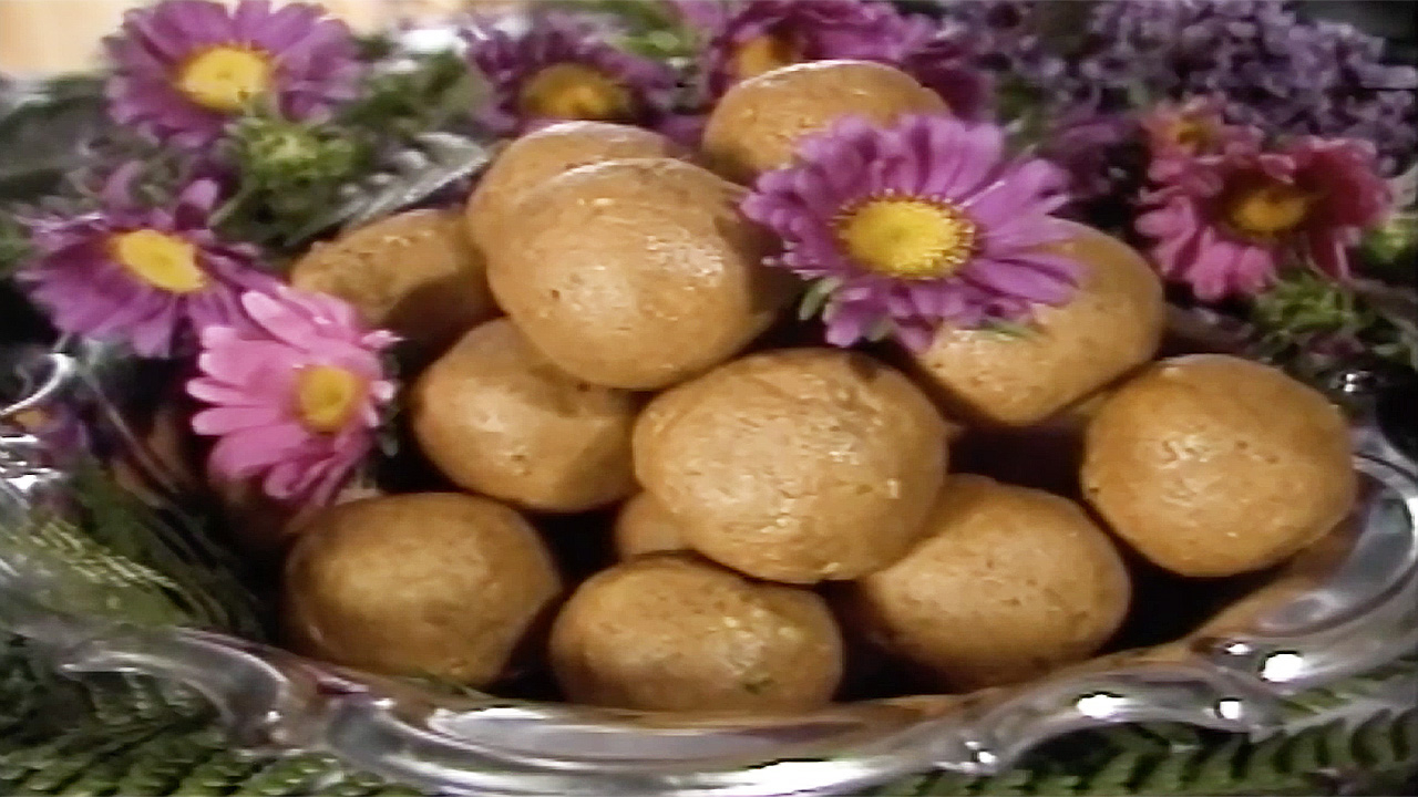 Cooking with Kurma S1-E11 Traditional Indian Sweets - 1